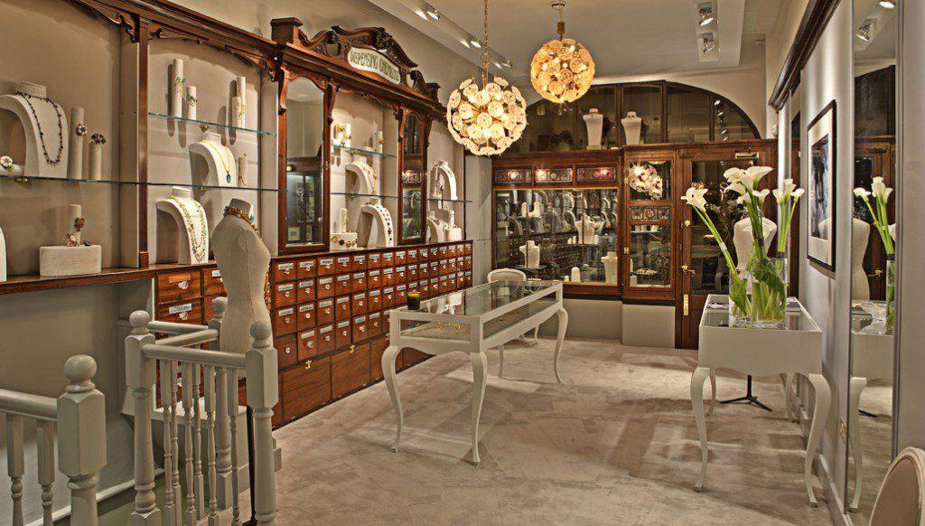 Luxury retail design agency david thomas solution for Retail design agency london